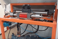 water jet cutting machine with four-axis cutting head.png